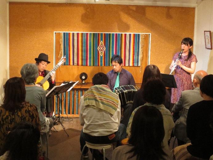 ティナ・レンテ ギター&クラリネット&バンドネオン