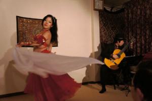 民族楽器コイズミ-ギター-ベリーダンス