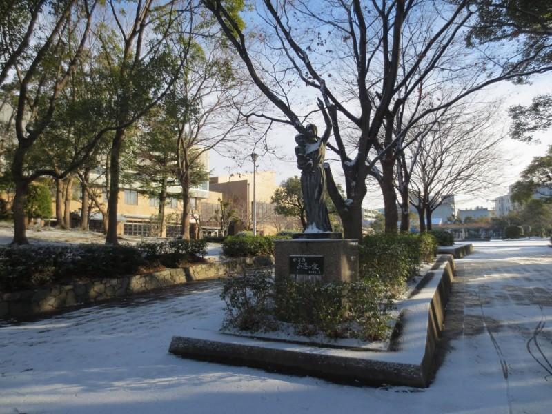 雪の池田市民会館