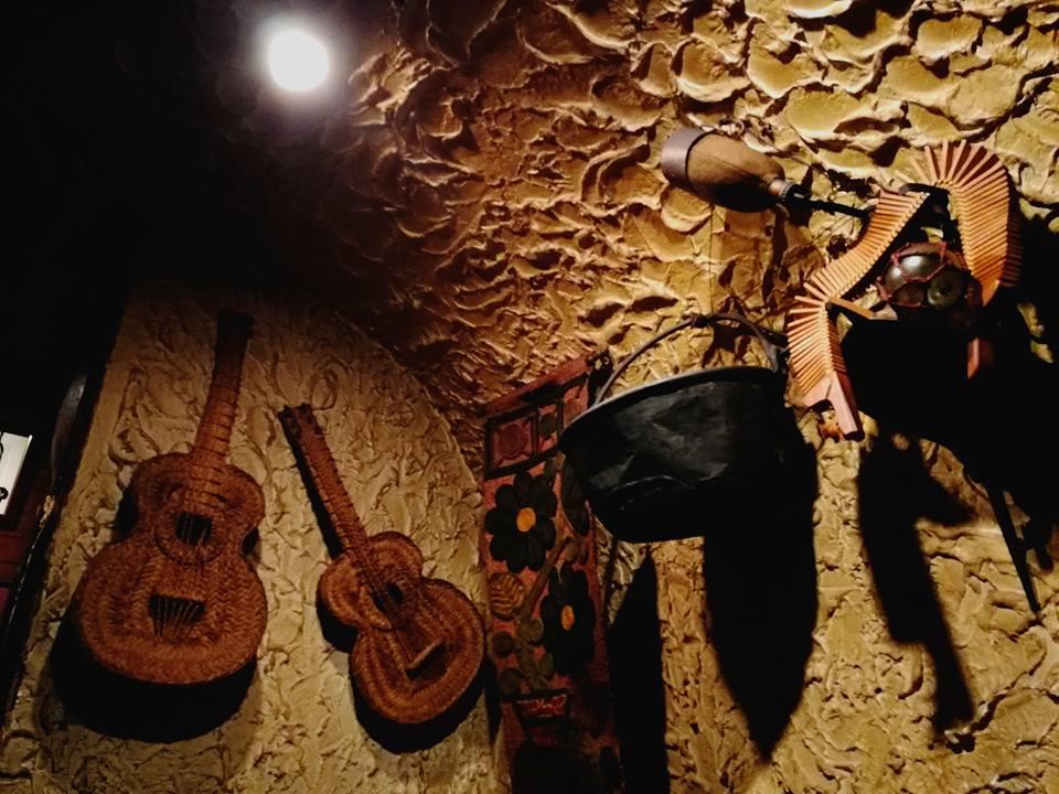 大阪梅田 ギターライブのお店 スペイン風居酒屋グラナダ