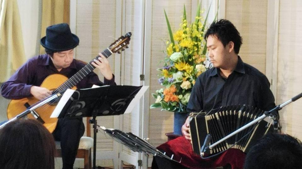 守山市 西藤小児科 バンドネオン&ギター 待合室コンサート