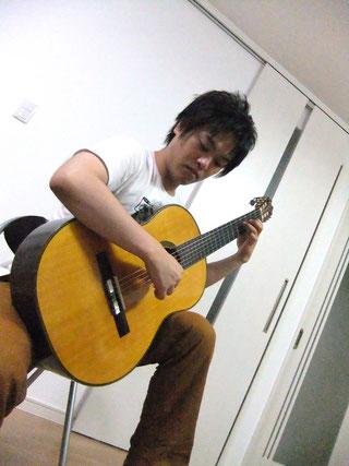 井谷光明-ギタリスト
