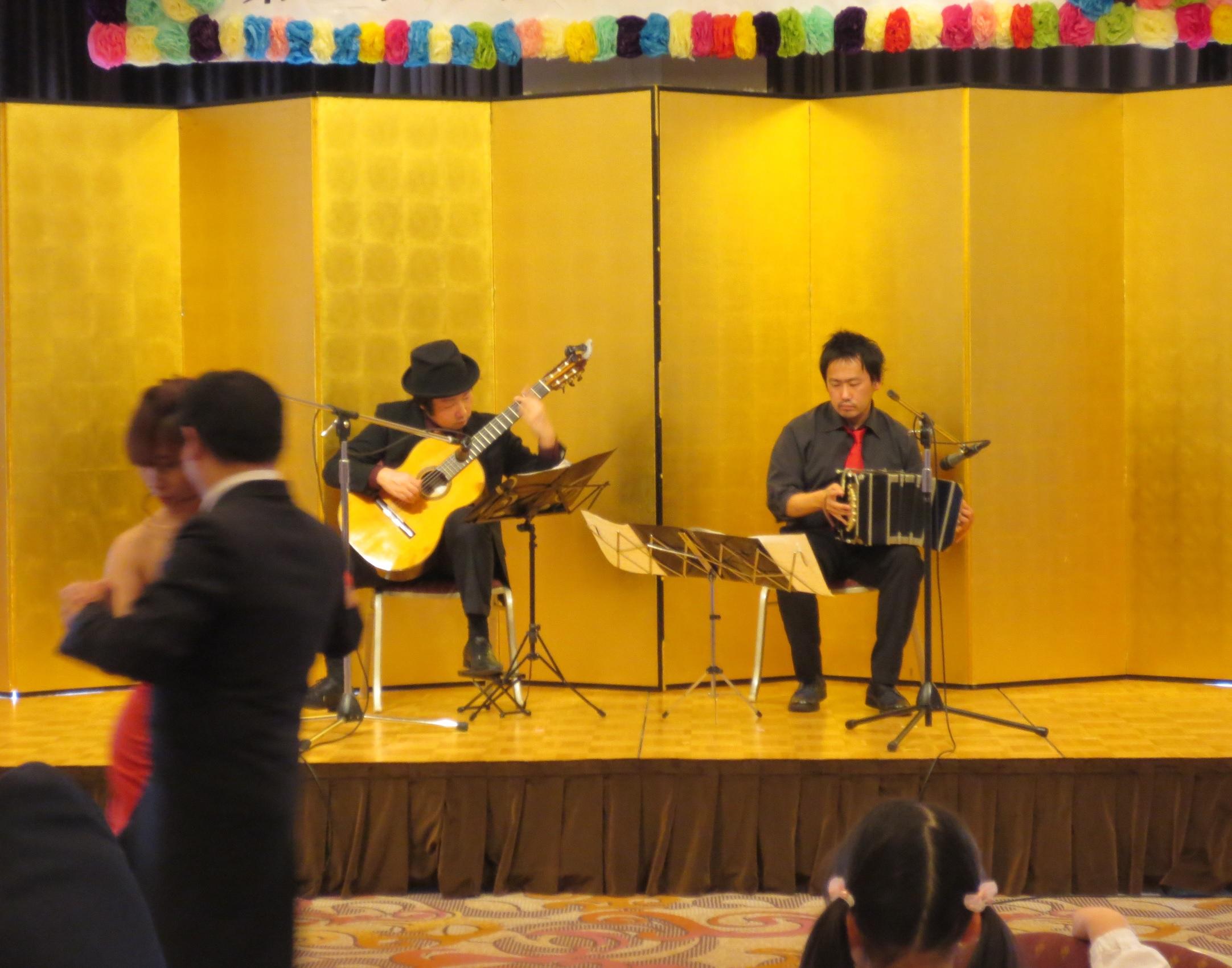奈良ホテル タンゴ・グレリオ バンドネオン・星野俊路 ギター・米阪隆広