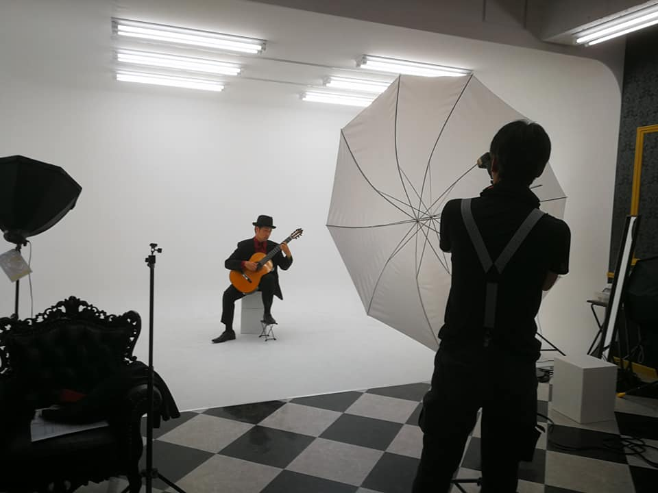 ギター、クラシックギター 米阪隆広