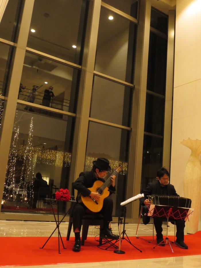 サンシティ宝塚 タンゴ・グレリオ バンドネオン・星野俊路 ギター・米阪隆広