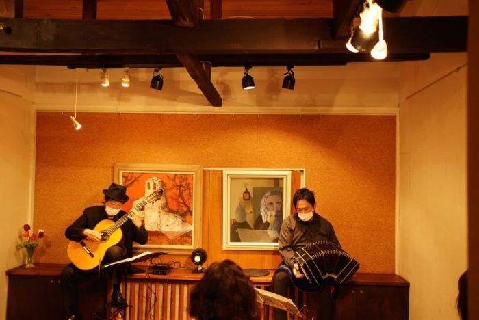 中崎町ティナレンテ タンゴ・グレリオ バンドネオン・星野俊路 ギター・米阪隆広